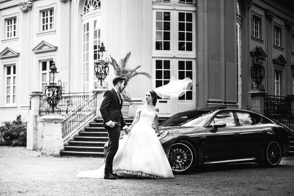 Brautpaar vor Schloss Richmond