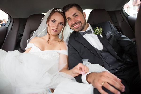 Brautpaar im Hochzeitsauto Braunschweig