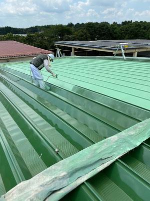 鋼板折板屋根 熱交換塗料塗布