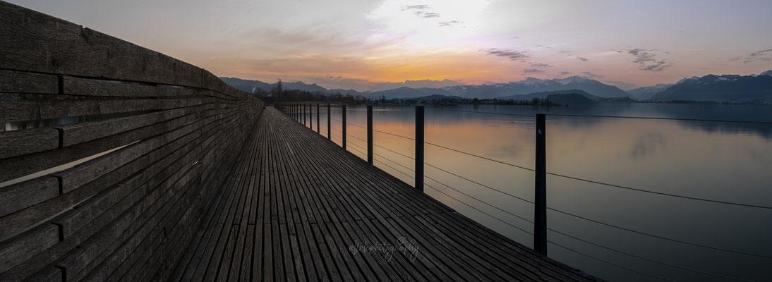 02.04.2021 - Sonnenaufgang - Holzsteg Rapperswil