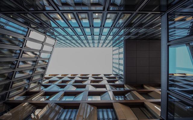 19.11.2016 - Zürich - Innenhof UBS - Loft Five - Europaallee - 14mm
