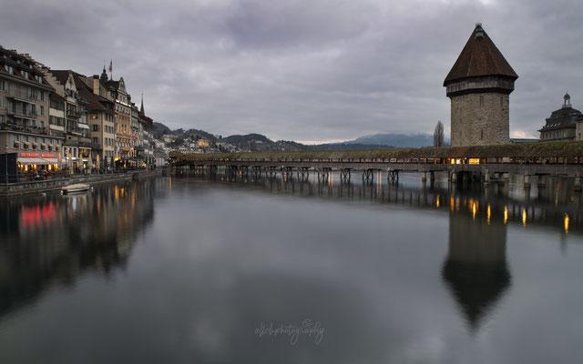 11.01.2020 - Luzern - Kapellbrücke mit Wasserturm