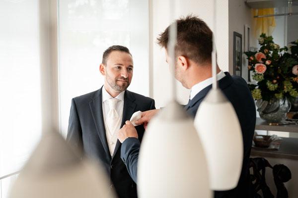 Hochzeitsvorbereitung Lindwedel Bräutigam