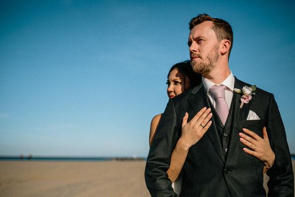 Hochzeitsfoto Brautpaar Strand Travemünde