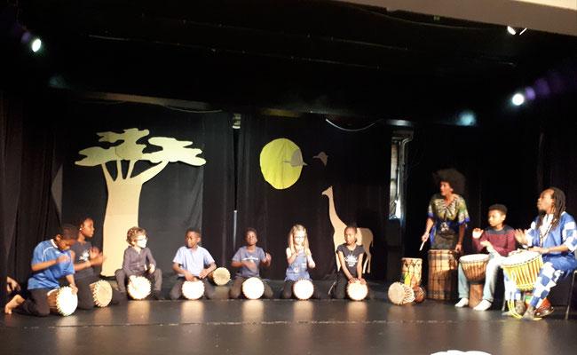 Cours de percussions pour enfants, spectacle de fin d'année au Centre Paris'Anim, Poterne des Peupliers