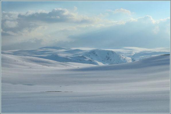 """Schneelandschaft auf """"Passhöhe"""""""