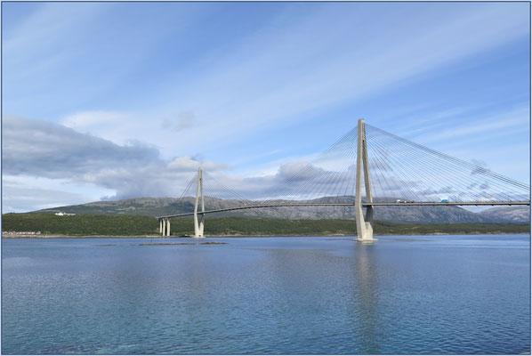 So sind sie in Norwegen, die Brücken.