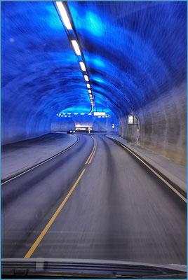 Einfahrt in den Kreisel..... im Tunell