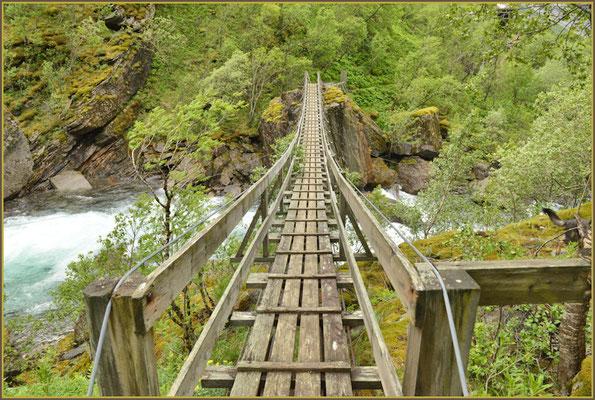 Hängebrücke zu Fykantrappa