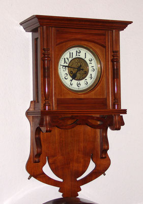 Jugendstil Uhr restauriert und lackiert