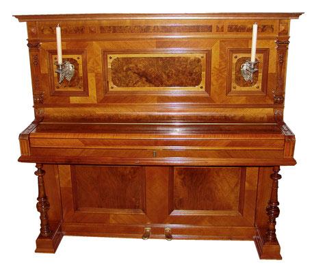 Gründerzeit Klavier um 1890, Nussbaum und Wurzelholz furniert, tolle Qualität