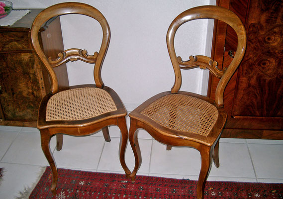 2 Louis-Philippe Stühle nur verleimt und gereinigt