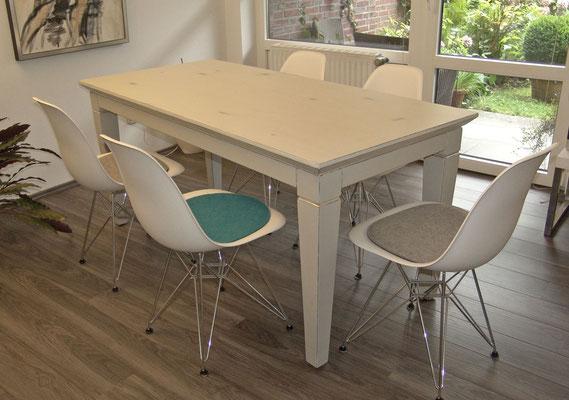 Esstisch in Tischlerqualität Weiß mit Antrazit Grundierung