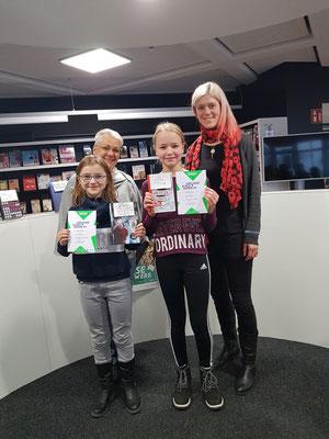 Die Siegerinnen mit den Organisatorinnen Birte Bohnhof-Zuschke und Jennifer Panke