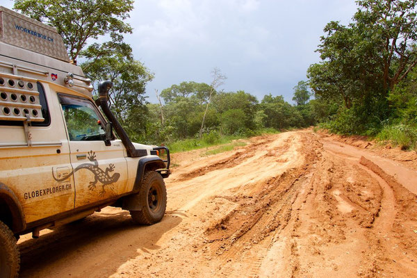 So sehen unsere Pisten aus in Tansania
