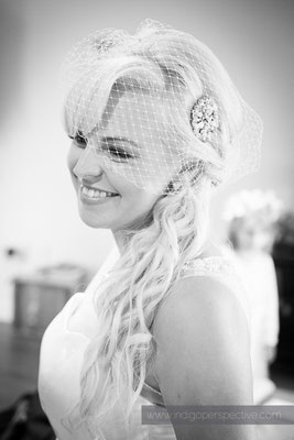 26-ocean-kave-wedding-photography-north-devon-bride-smile-veil