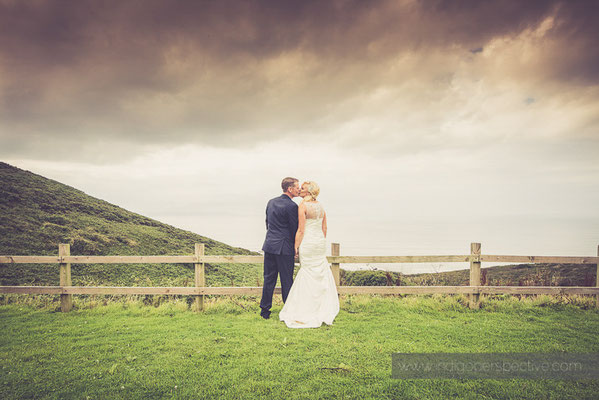 73-ocean-kave-wedding-photography-north-devon-kiss