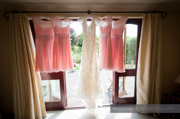 6-weirmarsh-farm-wedding-north-devon-bride-bridesmaid-dresses-preparation