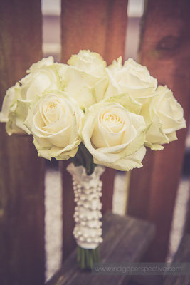 10-ocean-kave-wedding-photography-north-devon-flowers