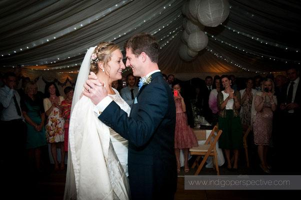 66-woolacombe-barricane-beach-wedding-north-devon-bride-groom-first-dance-waltz