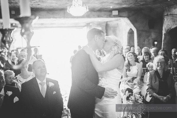 41-ocean-kave-wedding-photography-north-devon-kiss-the-bride