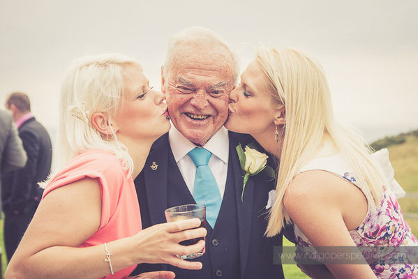 111-ocean-kave-wedding-photography-north-devon-kiss