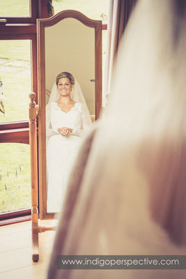 10-tipi-wedding-photography-north-devon-bride-veil-mirror