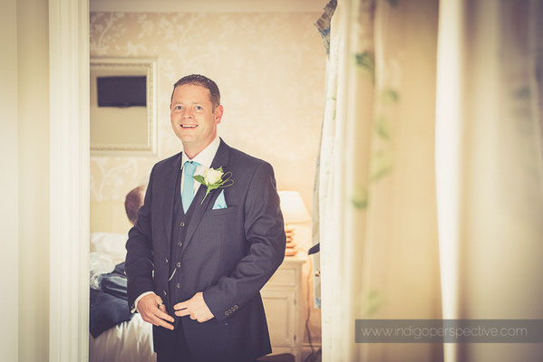 15-ocean-kave-wedding-photography-north-devon-groom-suit-getting-ready