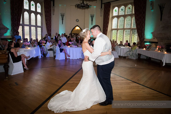 65-woolhanger-manor-wedding-photography-north-devon-first-dance