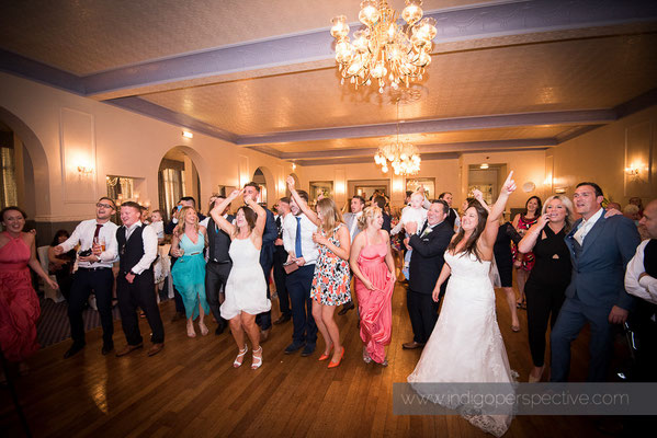 89-woolacombe-bay-hotel-wedding-photography-north-devon-evening-party-3