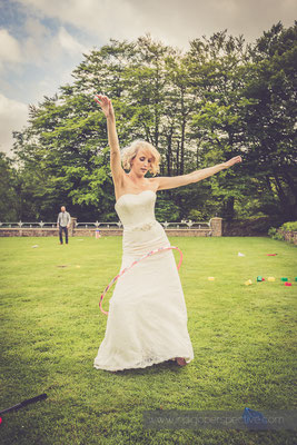 61-woolhanger-manor-wedding-photography-north-devon-bride-hula-hoop