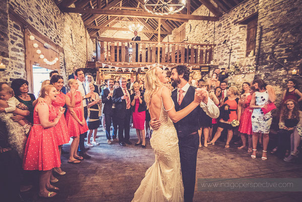 60-westcott-barton-wedding-photography-north-devon-first-dance