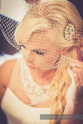 27-ocean-kave-wedding-photography-north-devon-bride-hair-veil-fishnet