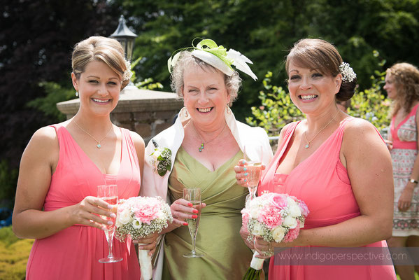 18-woolhanger-manor-wedding-photography-north-devon-mother-bridesmaids