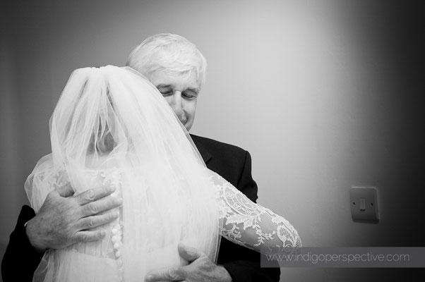 10-woolacombe-barricane-beach-wedding-north-devon-dad-first-look-daughter-bride-tears