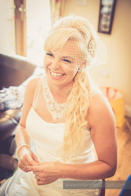 28-ocean-kave-wedding-photography-north-devon-bride-veil