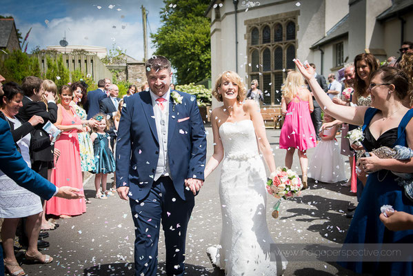 22-woolhanger-manor-wedding-photography-north-devon-confetti
