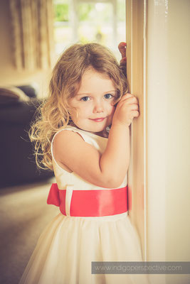 7-woolhanger-manor-wedding-photography-north-devon-flower-girl
