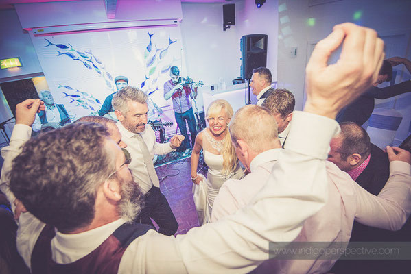 133-ocean-kave-wedding-photography-north-devon-evening-party-3