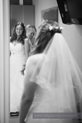 27-woolacombe-bay-hotel-wedding-photography-north-devon-bride-dress-mirror