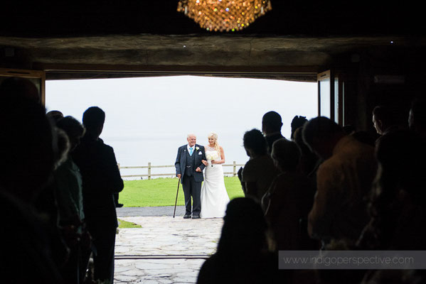 33-ocean-kave-wedding-photography-north-devon-bride-dad-arrival
