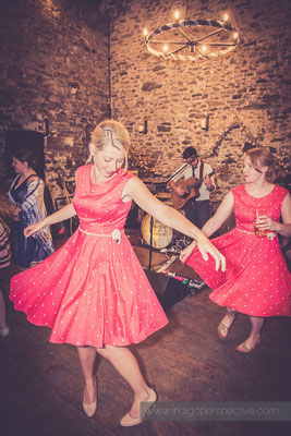 70-westcott-barton-wedding-photography-north-devon-bridesmiads-dancing