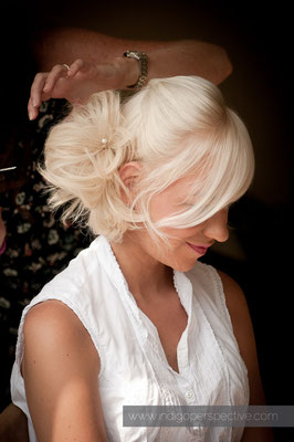 1-weirmarsh-farm-wedding-north-devon-bridal-hair