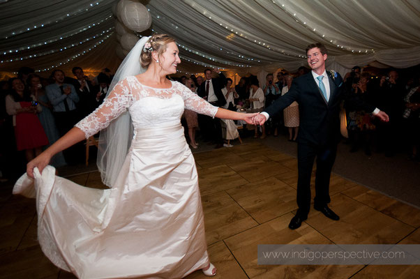 67-woolacombe-barricane-beach-wedding-north-devon-bride-groom-first-dance-waltz-2