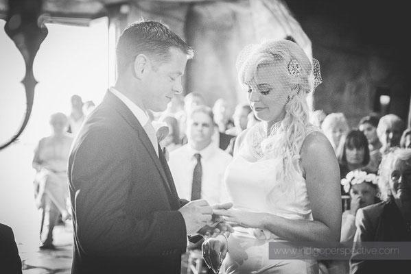 37-ocean-kave-wedding-photography-north-devon-bride-groom-exchange-rings