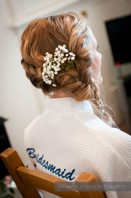 2-woolacombe-barricane-beach-wedding-north-devon-bridesmaid-hair