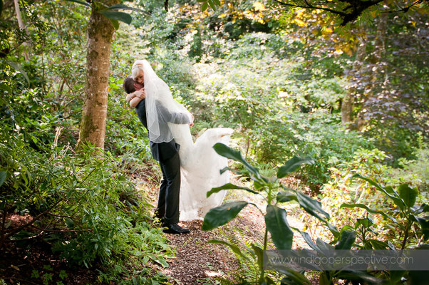25-weirmarsh-farm-wedding-north-devon-bride-groom-intimate-hug