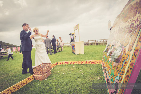 78-ocean-kave-wedding-photography-north-devon-bride-groom-vintage-games