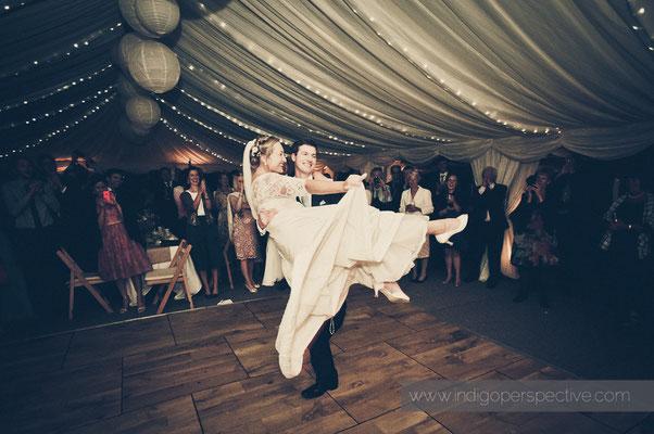 68-woolacombe-barricane-beach-wedding-north-devon-bride-groom-first-dance-waltz-3