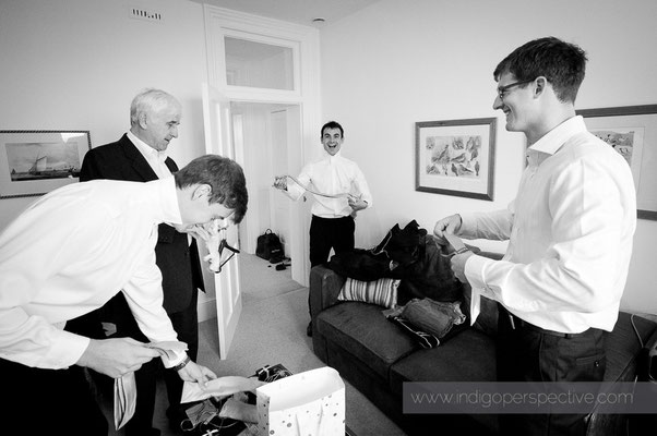 5-woolacombe-barricane-beach-wedding-north-devon-groom-morning-suits-tie